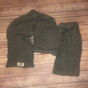 UGG chunky knit scarf